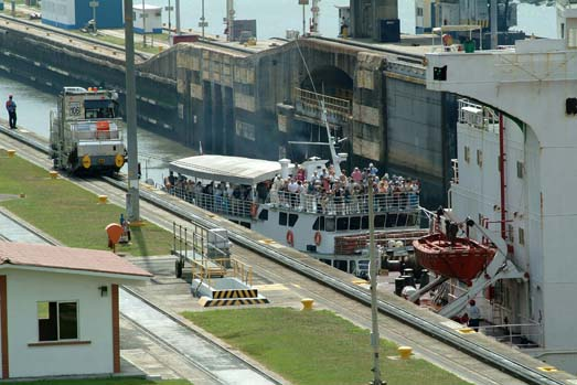 Partial and Full Panama Canal Transit Tours