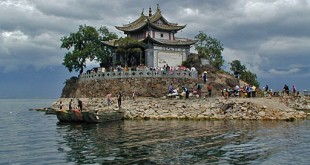 bai temple erahi lake