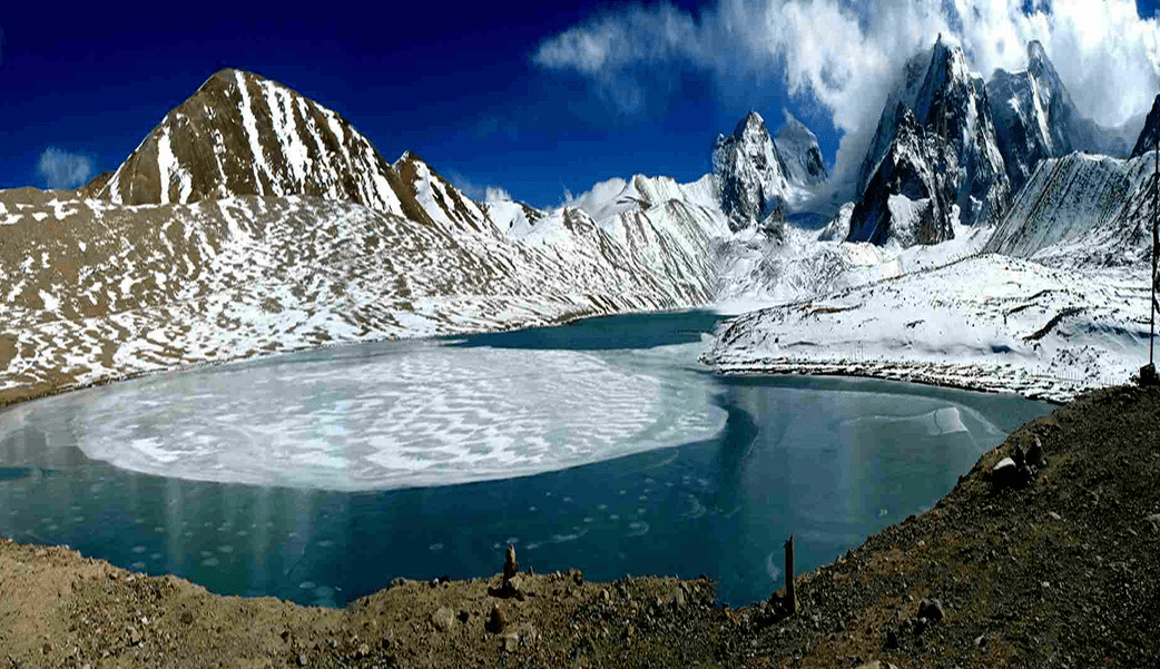 Gurudongmar Lake in Winter sikkim India