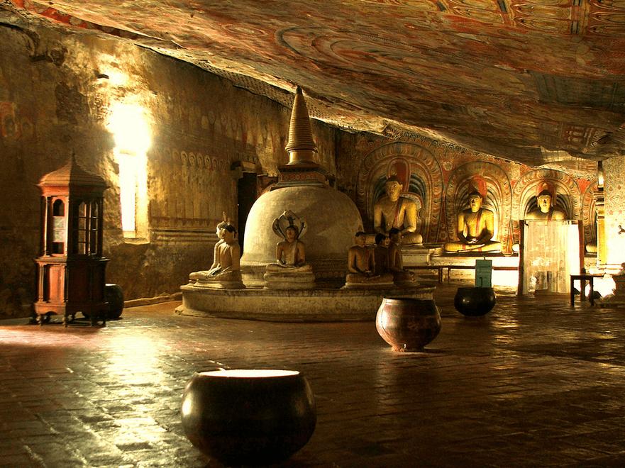 Dambulla Cave Temples - Buddha Statues